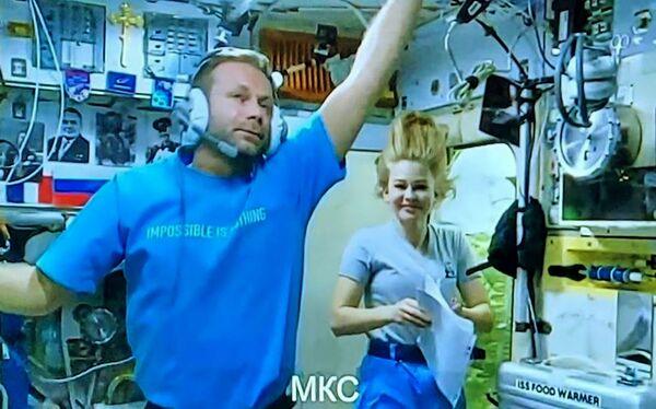 В общей сумме, Шипенко и Пересильд проведут на МКС 12 дней. - Sputnik Узбекистан