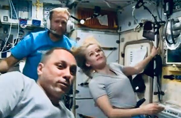 """По словам гендиректора """"Роскосмоса"""", Пересильд и Шипенко работают постоянно даже в ущерб полноценному сну. - Sputnik Узбекистан"""