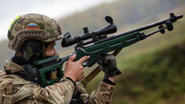 Первенство по тактической стрельбе среди снайперов силовых подразделений Новосибирской области - Sputnik Ўзбекистон