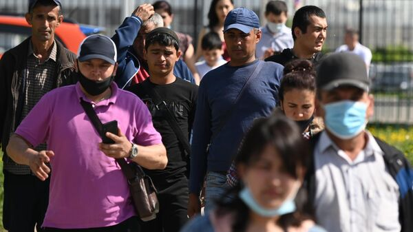 Ситуация у миграционного центра в Подмосковье - Sputnik Узбекистан