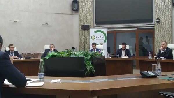 Узбекистан и Россия обсудили программу сотрудничества в финансовой сфере - Sputnik Узбекистан