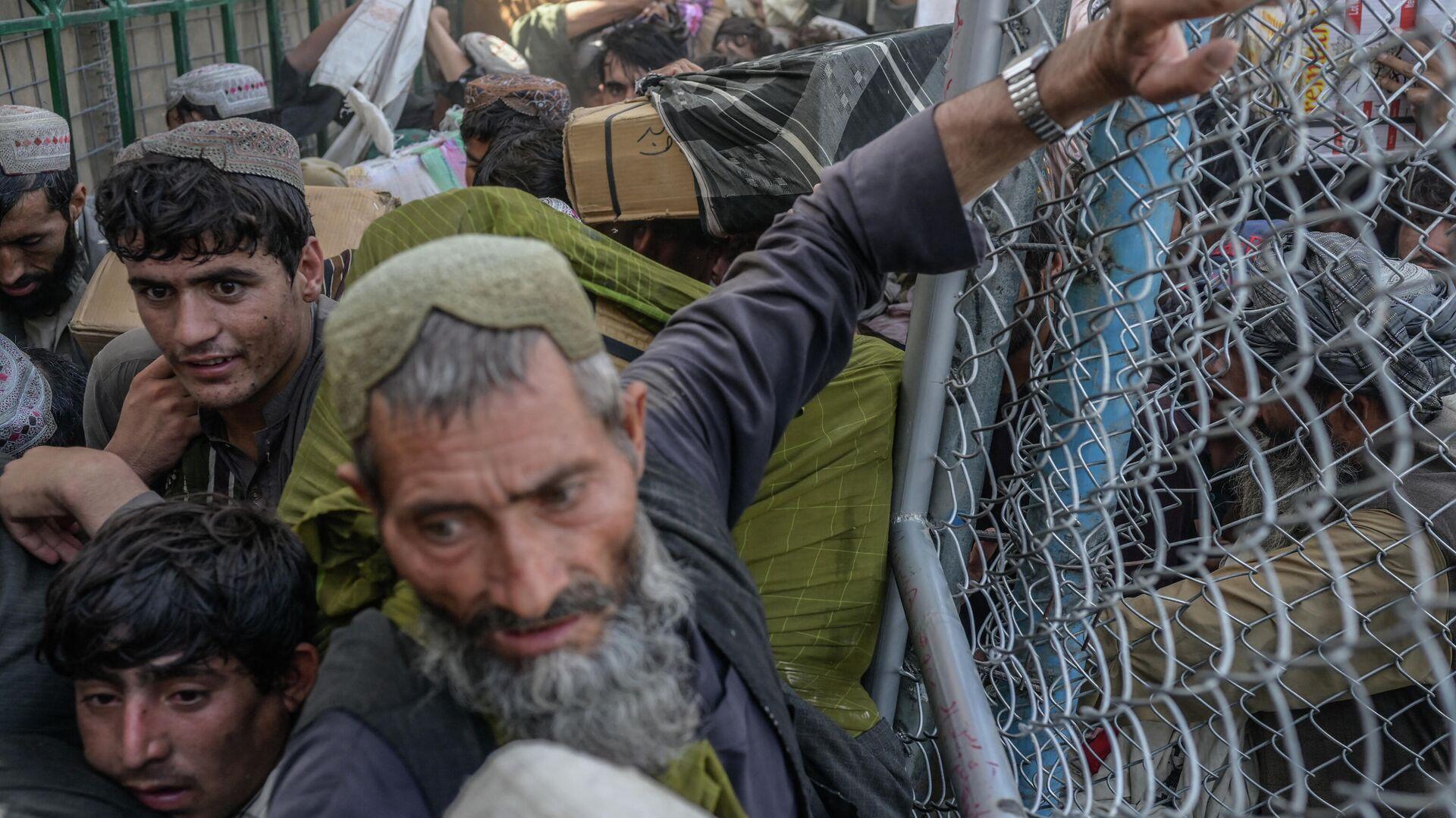 Беженцы из Афганистана - Sputnik Узбекистан, 1920, 14.10.2021