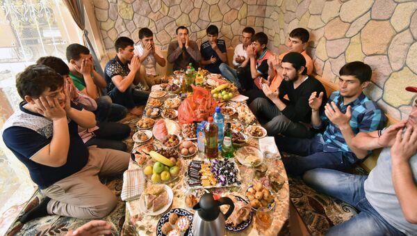 Празднование Ураза-Байрам в Душанбе - Sputnik Ўзбекистон