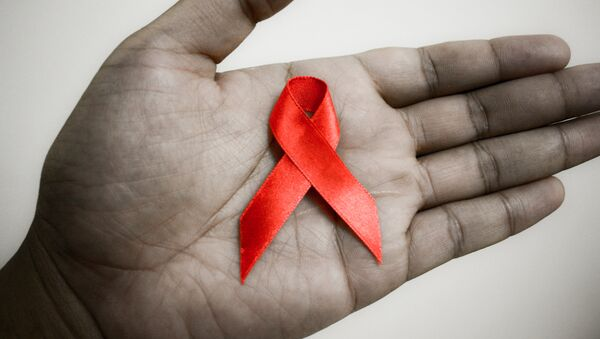 Красная лента - символ борьбы с СПИДом - Sputnik Узбекистан
