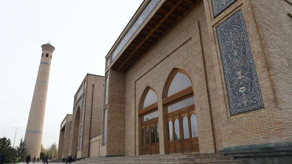 Передний вид Соборной мечети Хазрати Имам - Sputnik Узбекистан