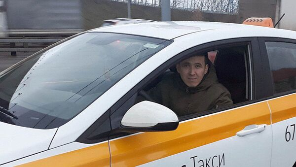 Таксист в Москве Кайрат Тентимишев - Sputnik Ўзбекистон