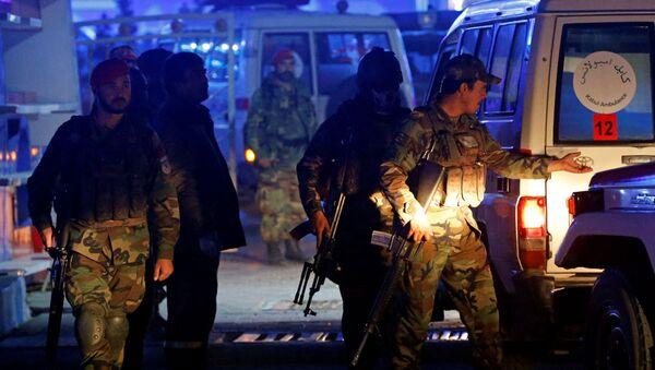 Афганские военнослужащие на месте взрыва в Кабуле - Sputnik Ўзбекистон