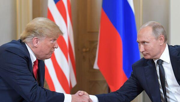 Vstrecha prezidenta Rossii Vladimira Putina i prezidenta SSHA Donalda Trampa - Sputnik Oʻzbekiston