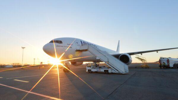 Самолет авиакомпании ИрАэро - Sputnik Узбекистан