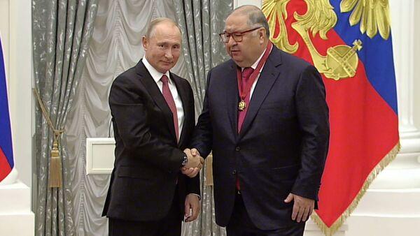 Chudo prodoljayetsya: Usmanov poblagodaril Putina ot vsego uzbekskogo naroda  - Sputnik Oʻzbekiston
