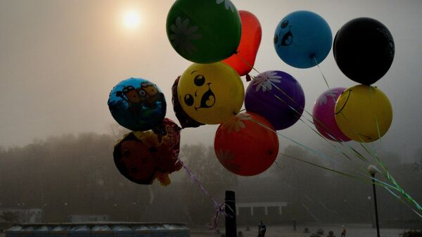 Vladivostokda toggi tuman va havo sharlari - Sputnik Oʻzbekiston