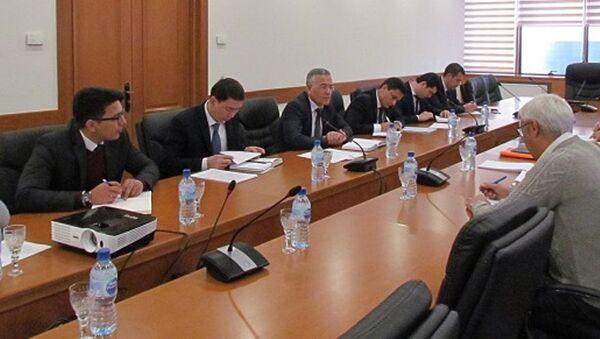 Встреча в Министерстве экономики с ВБ - Sputnik Узбекистан