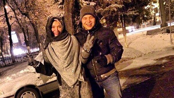 Ислам Каримов со своей матерью Гульнарой Каримовой - Sputnik Ўзбекистон