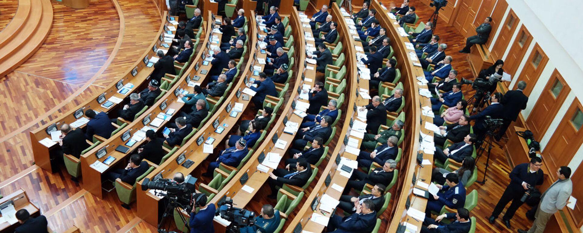 17-ое пленарное заседание Сената Олий Мажлиса РУз - Sputnik Узбекистан, 1920, 27.08.2021