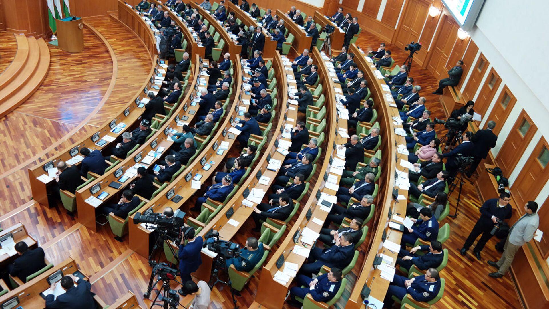 17-ое пленарное заседание Сената Олий Мажлиса РУз - Sputnik Узбекистан, 1920, 22.06.2021