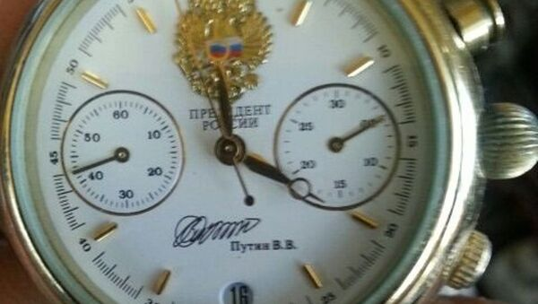 Chasы ot prezidenta Rossii  - Sputnik Oʻzbekiston