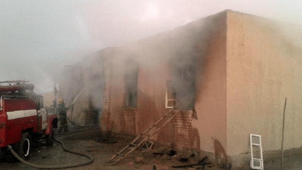 Пожар в жилом доме в Элликкалинском районе Республики Каракалпакстан - Sputnik Ўзбекистон
