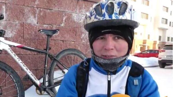 Велосипедист в Астане - Sputnik Ўзбекистон