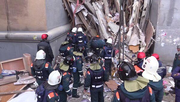 Ситуация в Магнитогорске в связи с обрушением подъезда жилого дома - Sputnik Ўзбекистон