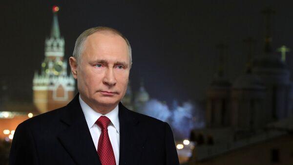 Novogodneye obraщeniye prezidenta RF V. Putina - Sputnik Oʻzbekiston