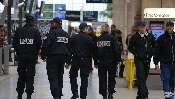 Ситуация в Париже после серии терактов - Sputnik Узбекистан