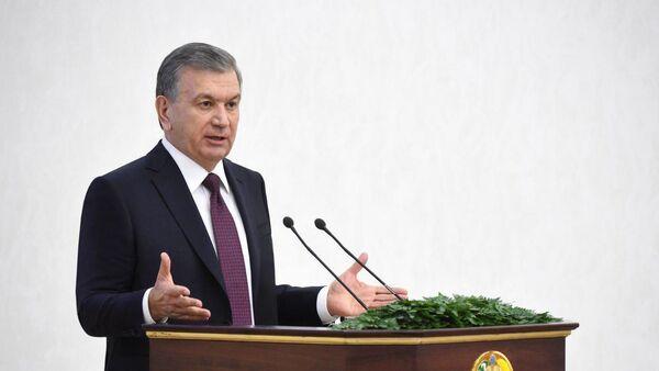 Шавкат Мирзиёев провел видеоселекторное совещание по вопросам ускорения реализации инвестиционных проектов - Sputnik Ўзбекистон