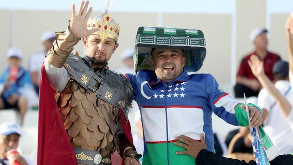 Болельщики сборной Узбекистана на стадионе Шарджа - Sputnik Узбекистан
