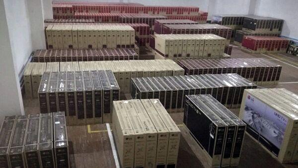 Presechena popыtka taynogo vvoza televizorov na 5 milliardov sum - Sputnik Oʻzbekiston