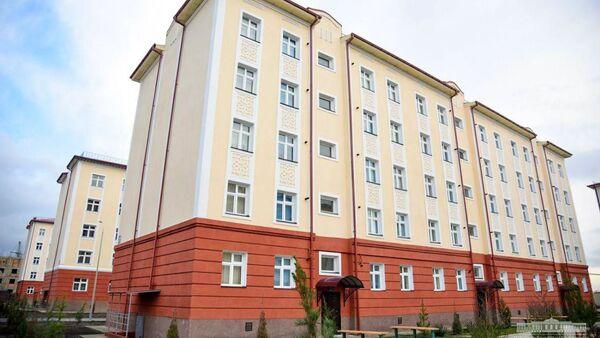 Shavkat Mirziyoyev posetil sovremennыy jiloy kompleks na massive Korasuv goroda Samarkanda - Sputnik Oʻzbekiston