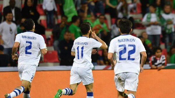 Игроки сборной Узбекистана в матче с Туркменистаном - Sputnik Ўзбекистон