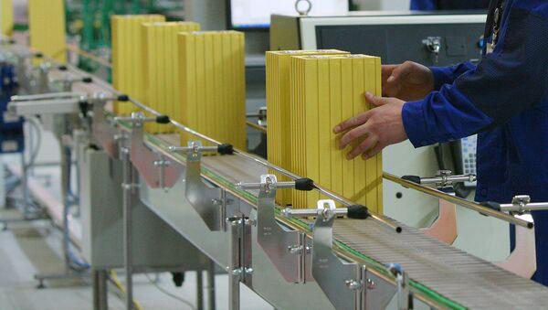 Линия по тестированию готовых аккумуляторов - Sputnik Ўзбекистон