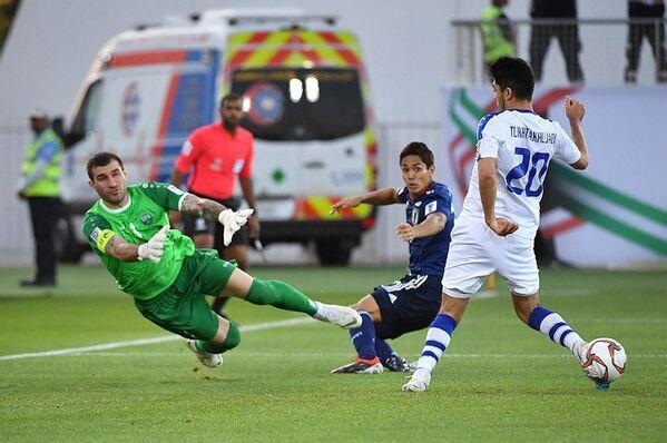 Матч между сборными Узбекистана и Японии по футболу на кубке Азии - Sputnik Узбекистан