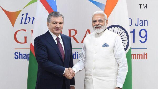 Президент Узбекистана Шавкат Мирзиёев встретился с премьер-министром Индии - Sputnik Ўзбекистон