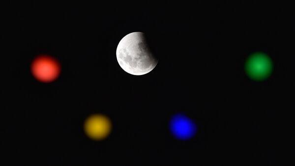 Полное лунное затмение в Уругвае  - Sputnik Узбекистан