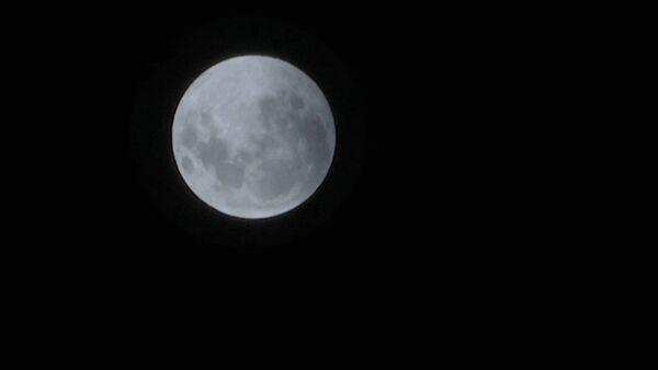 Как выглядела луна во время лунного затмения - Sputnik Узбекистан