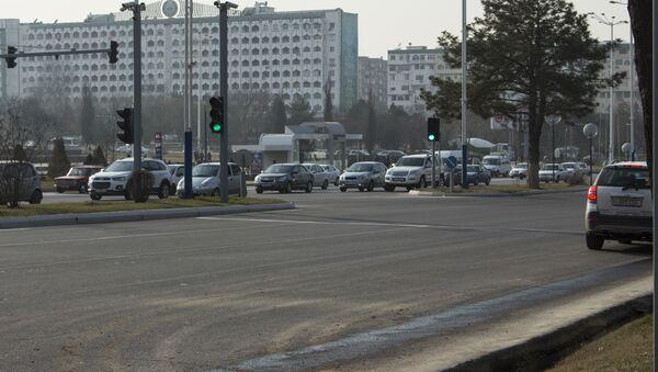 Автомобильное движение в Ташкенте - Sputnik Ўзбекистон