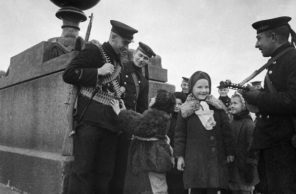 Защитники блокадного Ленинграда - Sputnik Узбекистан