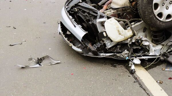Машина после ДТП. Иллюстративное фото - Sputnik Ўзбекистон