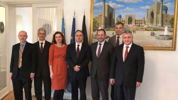 Посол Узбекистана при Евросоюзе Дильёр Хакимов встретился с делегацией ЕС - Sputnik Узбекистан