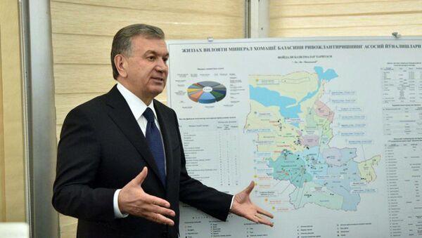 Prezident Respubliki Uzbekistan Shavkat Mirziyoyev posetil Farishskiy rayon Djizakskoy oblasti - Sputnik Oʻzbekiston