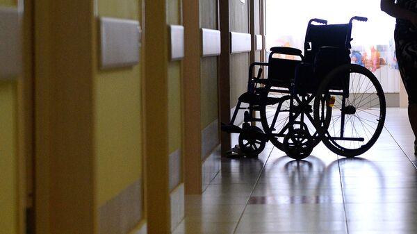 Пустая инвалидная коляска - Sputnik Узбекистан