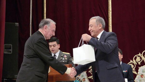 Ветеранам-интернационалистам афганской войны подарили золотые часы от имени президента РУз - Sputnik Ўзбекистон
