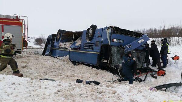 Avariya s avtobusom v Kalujskoy oblasti - Sputnik Oʻzbekiston
