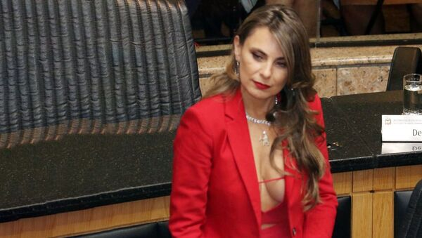 Бразильский сенатор Ана Паула да Силва - Sputnik Узбекистан