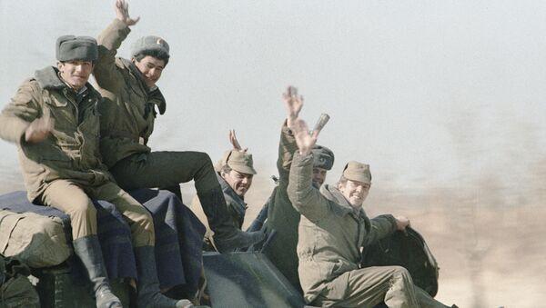 Vыvod ogranichennogo kontingenta sovetskix voysk iz Afganistana. 14 fevralya 1989 goda - Sputnik Oʻzbekiston
