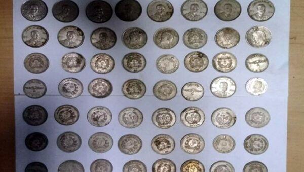 Пресечен незаконный вывоз старинных монет из Узбекистана - Sputnik Ўзбекистон