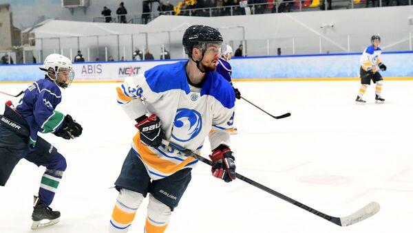 Матч чемпионата Узбекистана по хоккею между командами Хумо и Бинокор  - Sputnik Узбекистан