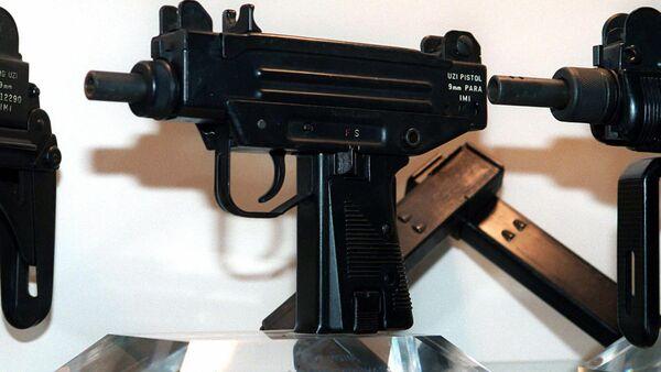 Pistolet marki UZI. Illyustrativnoye foto - Sputnik Oʻzbekiston