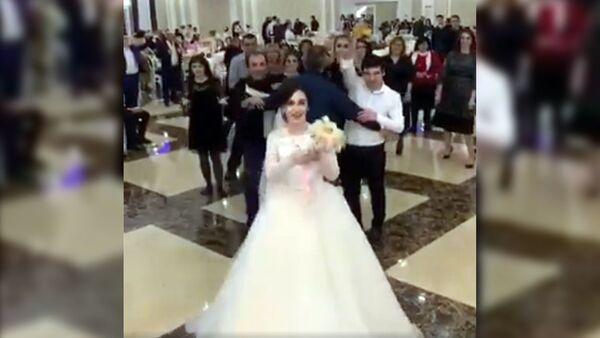 Когда очень сильно хочется замуж - Sputnik Ўзбекистон