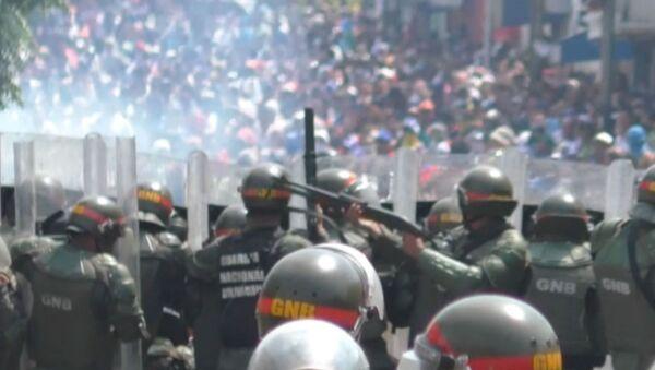 Столкновения на границе Венесуэлы и Колумбии - сотни пострадавших - Sputnik Ўзбекистон